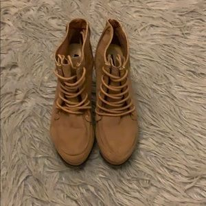 Ankle boot heels size 6 from forever 21